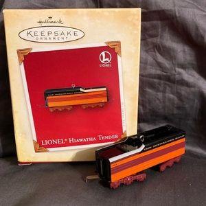 Hallmark Ornament  Lionel Hiawatha Tender train